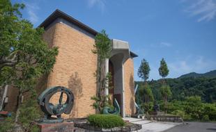 信州新町美術館